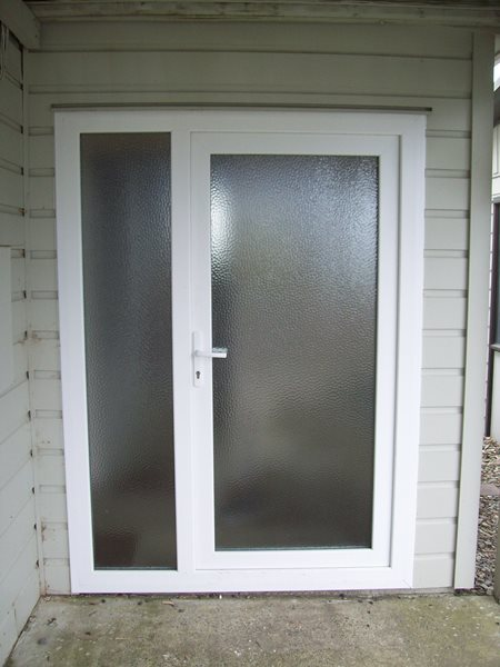 Entrance Door with fixed side light